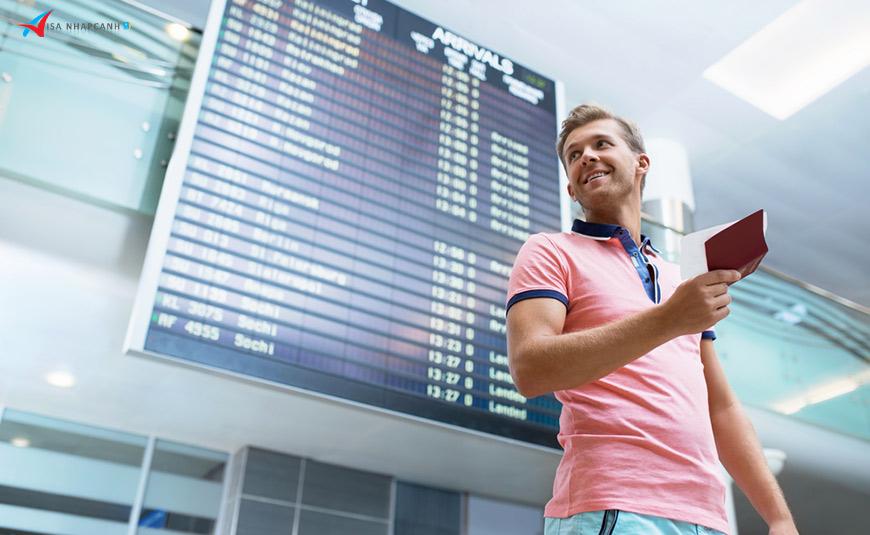 Chi phí dán tem visa Việt Nam khi nhập cảnh tại các sân bay bao nhiêu?