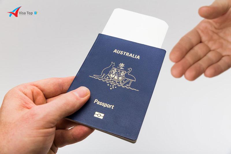 Hướng dẫn gia hạn visa Việt Nam cho người Úc